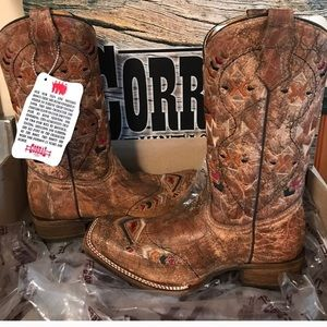 Corral Vintage Boots NWT
